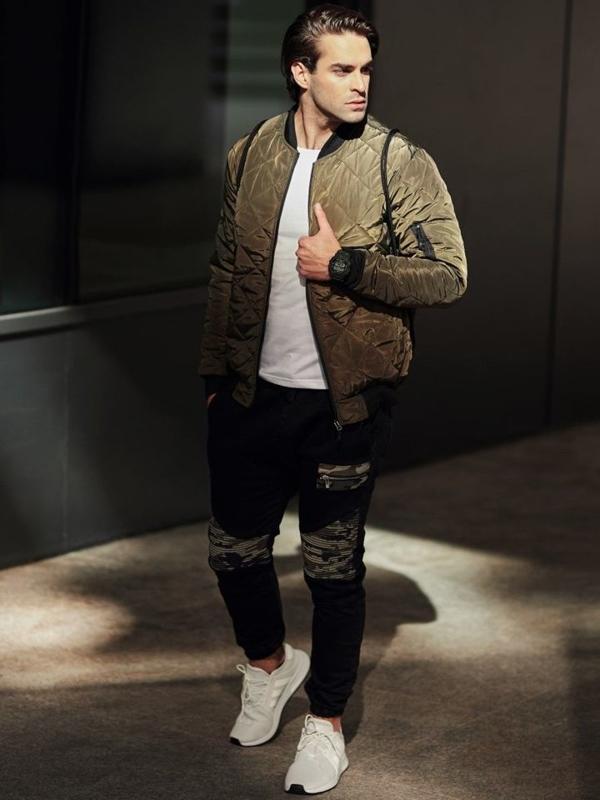 Stylizacja nr 330 - zegarek, kurtka bomberka, longsleeve, jeansowe joggery
