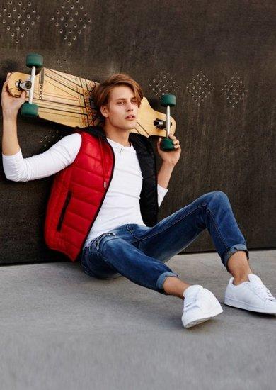 Stylizacja nr 62 - bezrękawnik, longsleeve, spodnie jeansowe