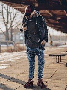 Stylizacja nr 137 - kurtka przejściowa, bluza bez kaptura, spodnie baggy, buty sneakersy