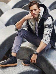 Stylizacja nr 317 - zegarek, bezrękawnik z kapturem, bluza z kapturem, longsleeve basic, joggery